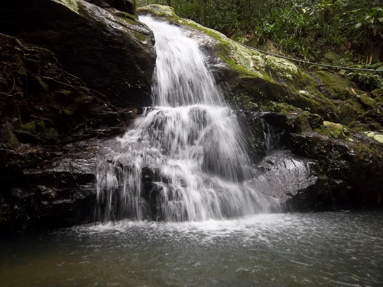 cachoeirapraiatriste